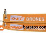 Llavero de tela personalizado con formas. Logo de drones.